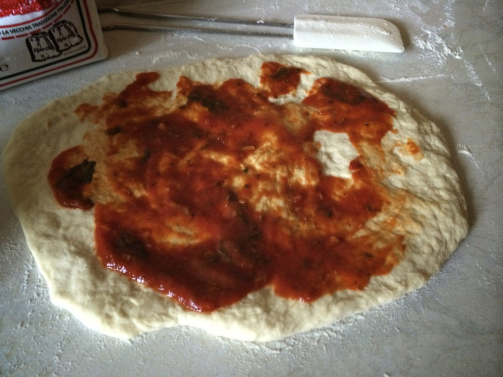 Pizza vor dem Backen